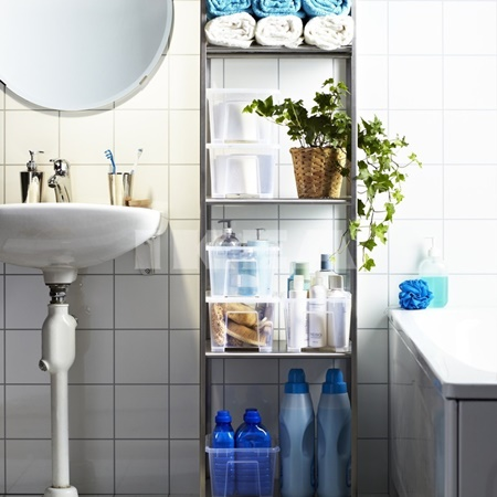 varrell White-tiled-bathroom-laundry