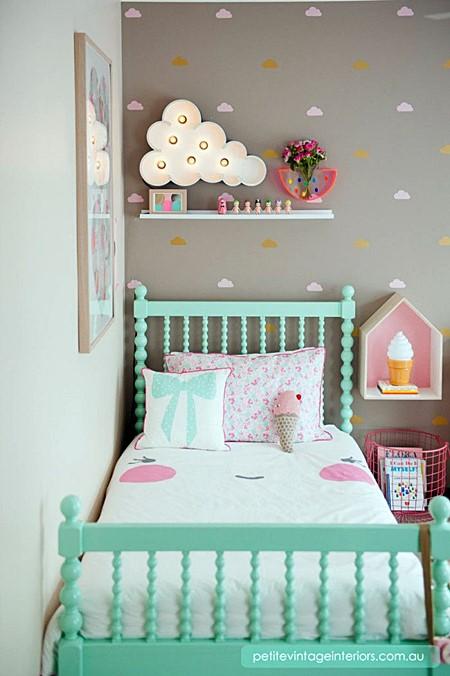 homedit clouds-toddler-bedroom