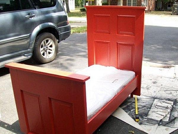 porta vaicomtudoFazer-a-cabeceira-da-cama-com-uma-porta-velha-0031