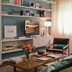 O azul alegra e enfatiza os móveis