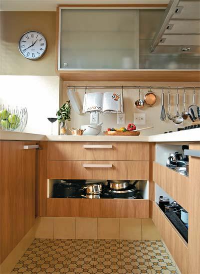 Cozinhas  Como economizar na construção ou reforma  Simples decoracao  Sim # Ilha Cozinha Em Alvenaria