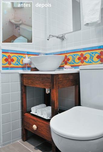 E mais boas idéias para banheiros pequenos  Simples Decoracao  Simples Deco -> Ideias Baratas Para Decoracao De Banheiro