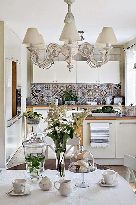decoracao de interiores em estilo provencal: hidráulicos e mesa de jantar em um estilo provençal? Como não amar