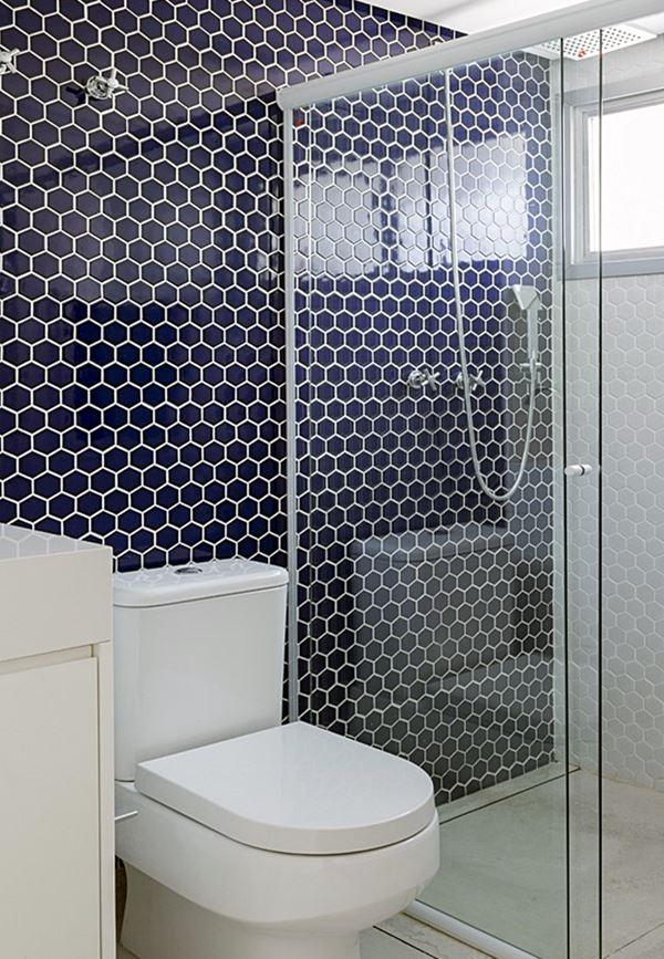 #474684 Pequenos banheiros claros e lindosSimples DecoracaoSimples Decoração 600x867 px revestimento para banheiro pequeno e simples