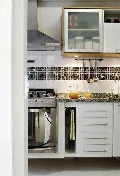 cozinha granito pastilha branca marrom