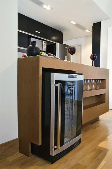 casa-claudia-cozinhas-high-tech-equipadas-aconchegantes_071