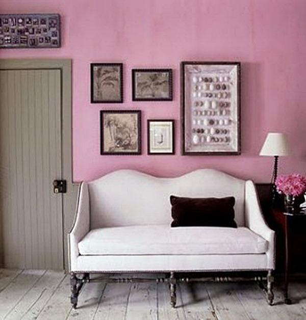 parede rosa com sofá romântico