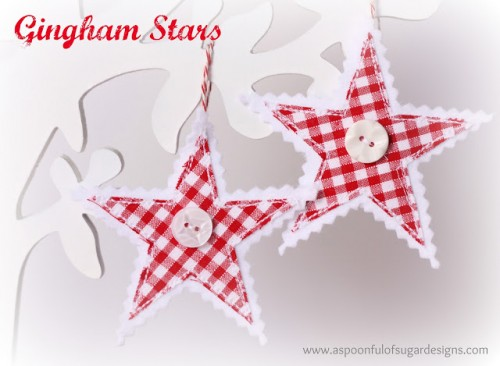 diy-gingham-stars-for-christmas-decor-1-500x366