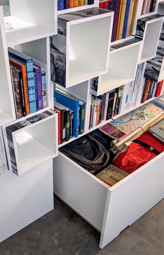 06-apartamento-pequeno-estante-divisoria