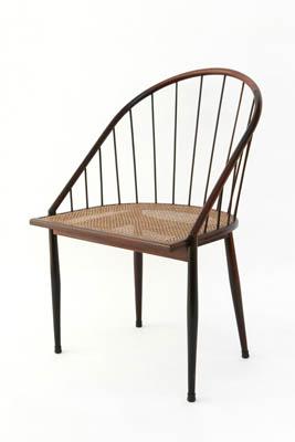 Cadeira-Curva-com-Varetas-de-Joaquim-TenreirocolunistasDOtigo