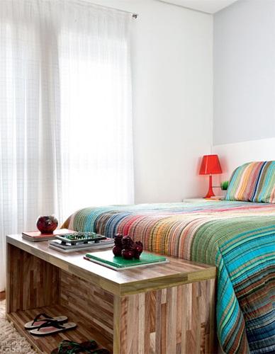 17-apartamento-de-105-m-repleto-de-cores-e-arranjos-de-parede