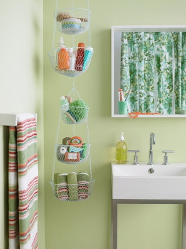 storage-ideas-in-small-bathroom-8Shelterness