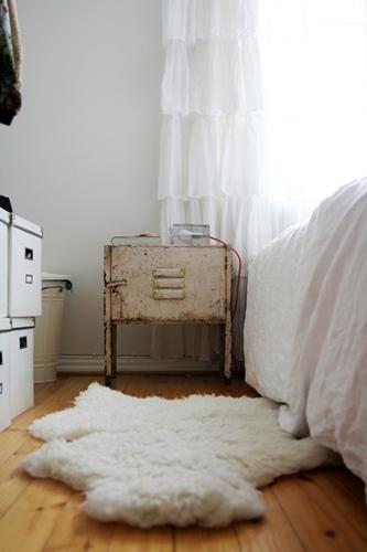 Makuuhuone sisustus valkoinen
