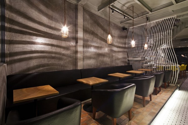 Exquisitely-Inviting-Ramen-Restaurant-in-Vietnam-with-an-Interesting-Mosaic-Wall17