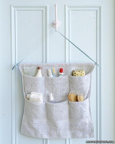 storage-ideas-in-small-bathroom-9Shelterness