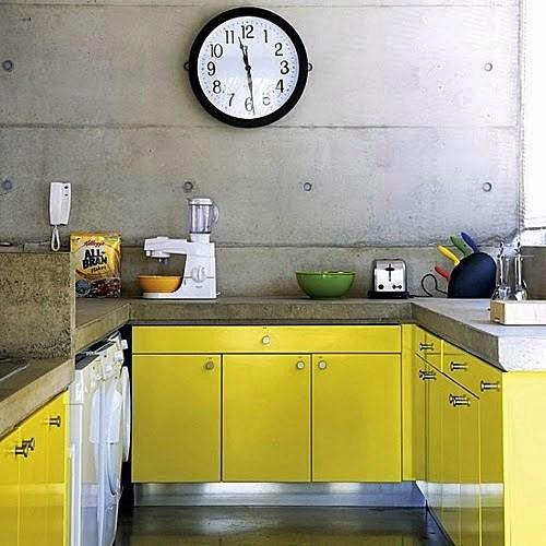 cozinha concreto e amarelo