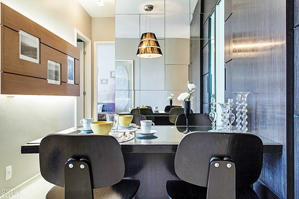08-apartamento-de-63-m2-com-paredes-pretas-e-estampadas