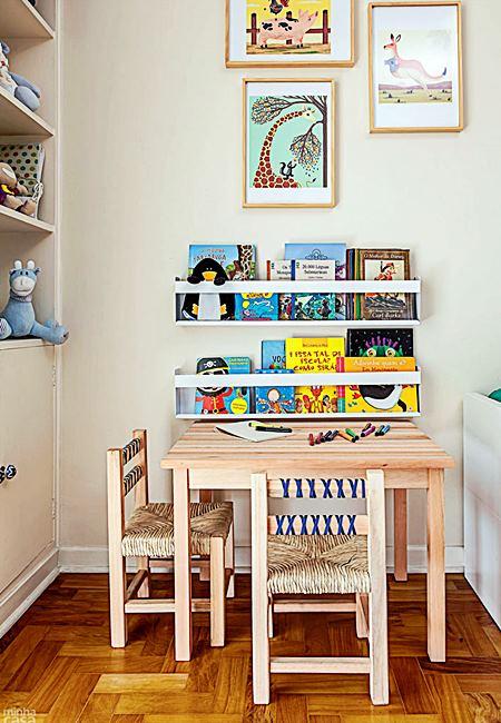 06-quarto-de-bebe-colorido-e-repleto-de-acessorios-descolados