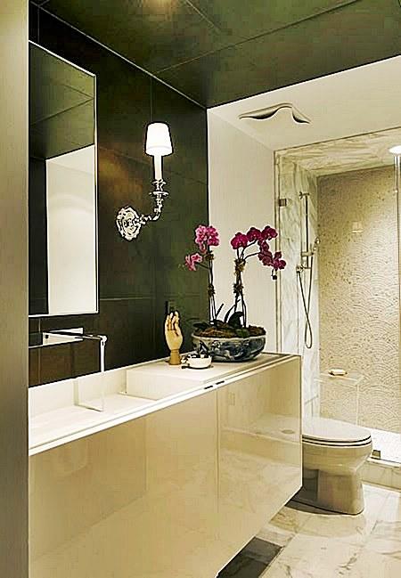 banheiro pequeno e original