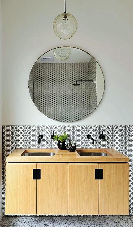 banheiro_preto_e_branco_arquitrecos_via_desire_to_inpire_02