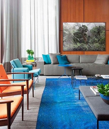 sala estar grande azul cinza madeira