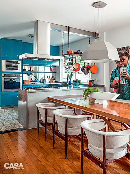 16-casa-e-decorada-de-azul-clima-anos-60