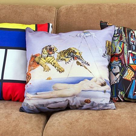 almofada-personalizada-pintura-salvador-dali-sonho-abelha-roma-2_large