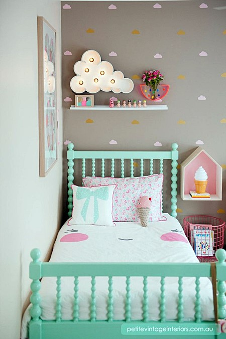 homedit clouds-toddler-bedroom