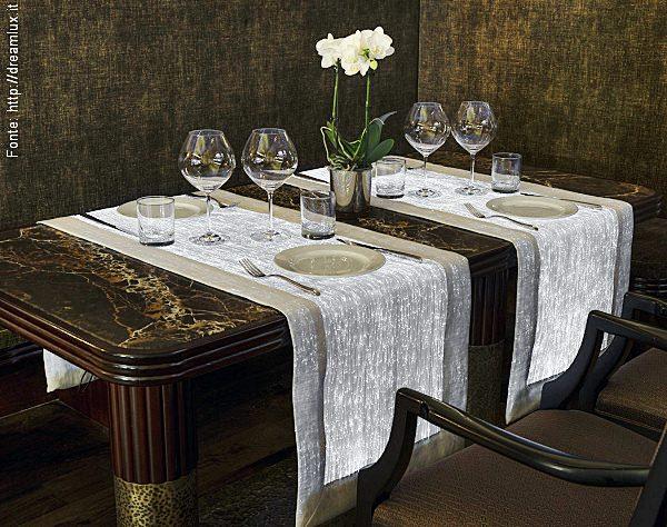 Caminho de mesa com tecido com fibra ótica