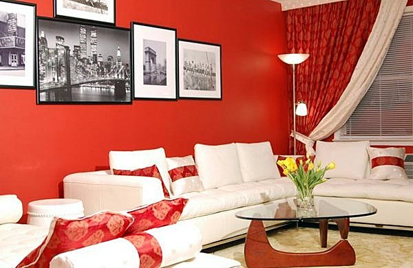 Decoration-of-rooms-with-wall-red