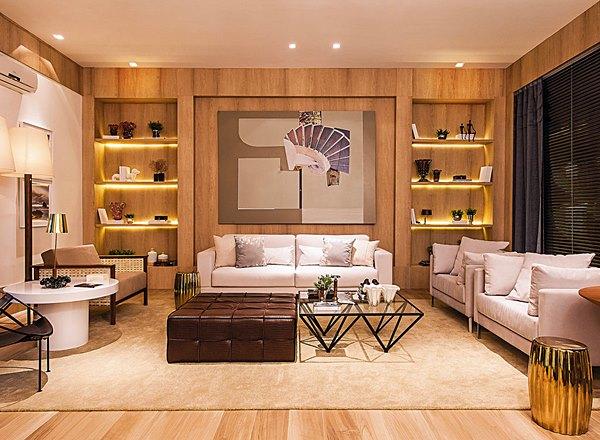 sala de estar grande com estante