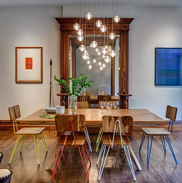 iluminação mesa de jantar em madeira