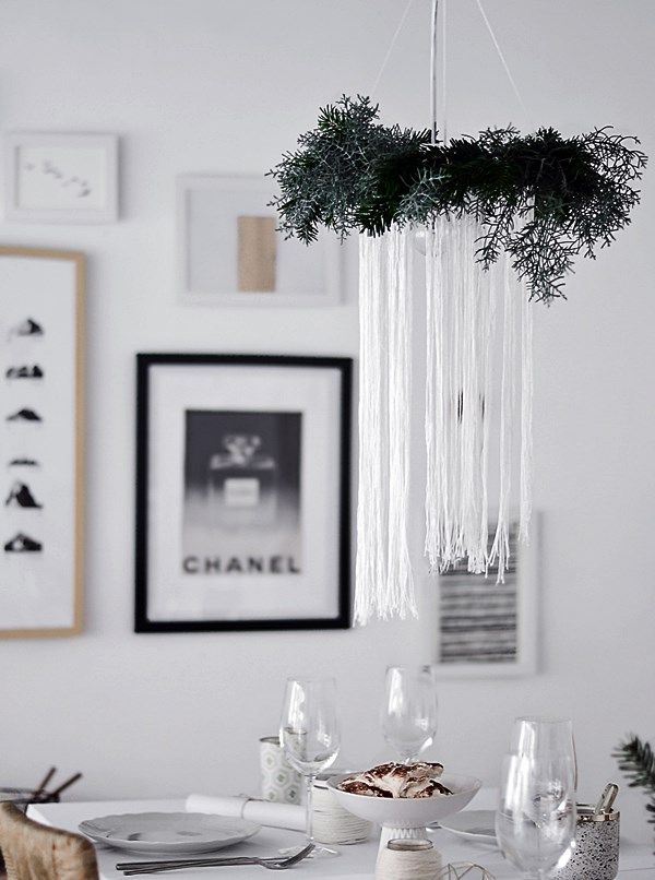 homedit-diy-christmas-chandelier-over-table