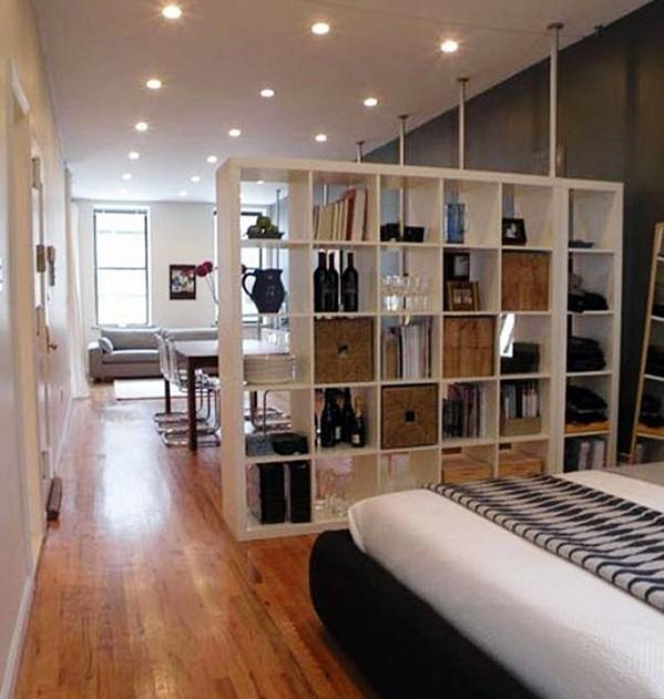 kitnet com divisória entre sala e quarto