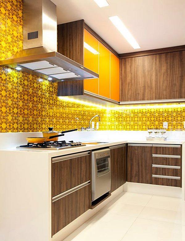 cozinha amarelo e madeira