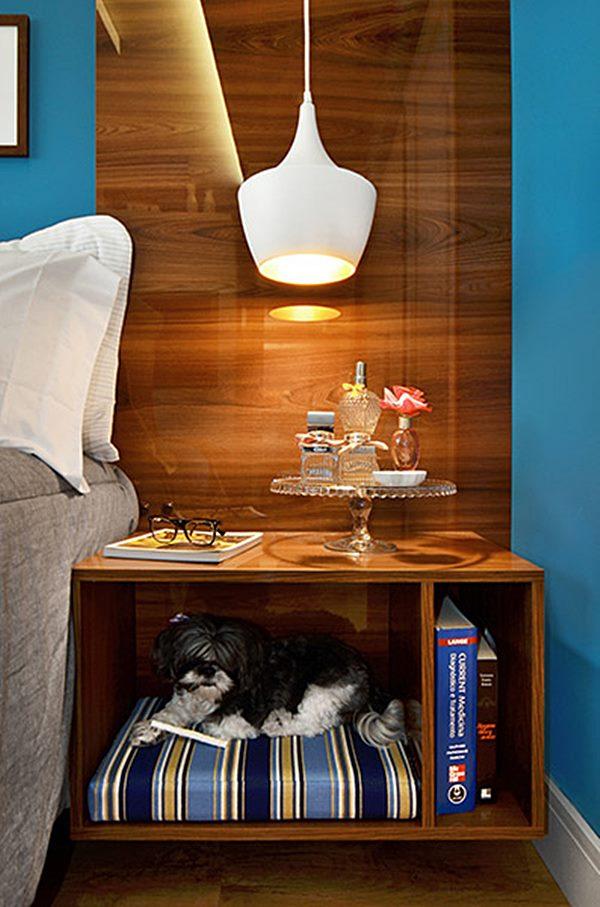 quarto de casal  criado mudo com cama cachorro