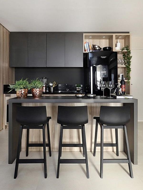 cozinha pequena- preto e madeira