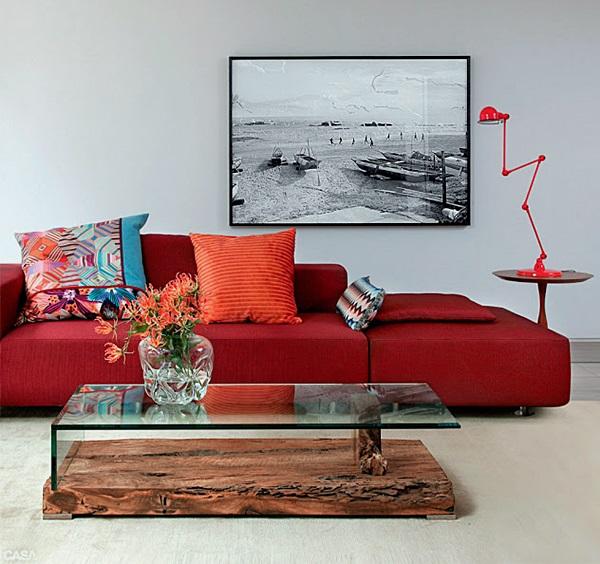 sala de estar cinza e vermelho