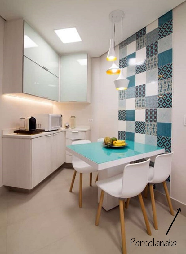 terra cozinha-com-mesa-azul-tiffany-projeto-de-ingridro-sien-nichols