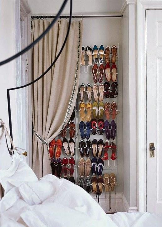 ideia para guardar seus sapatos - sapateira na parede