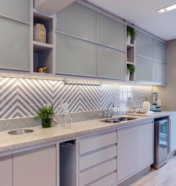 boa iluminação da cozinha