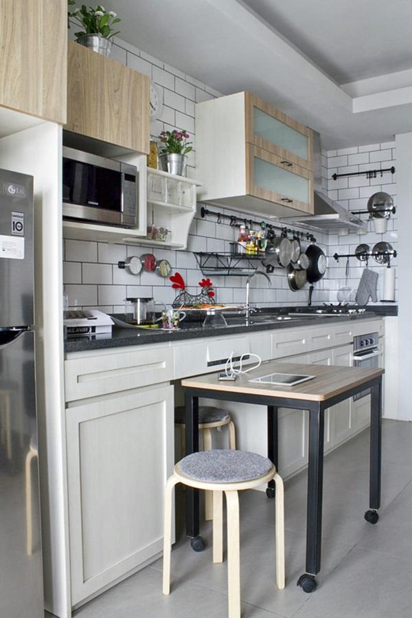 panelas e tampas na cozinha pequena