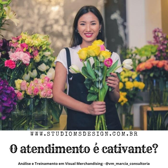 lojista com flores