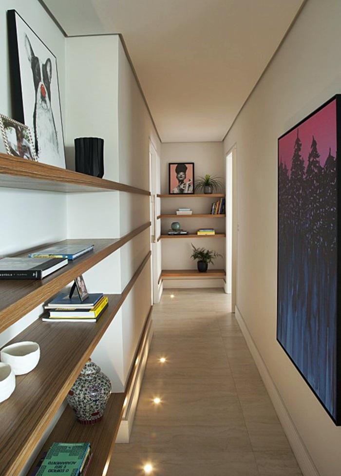 corredor com iluminação embutida no piso