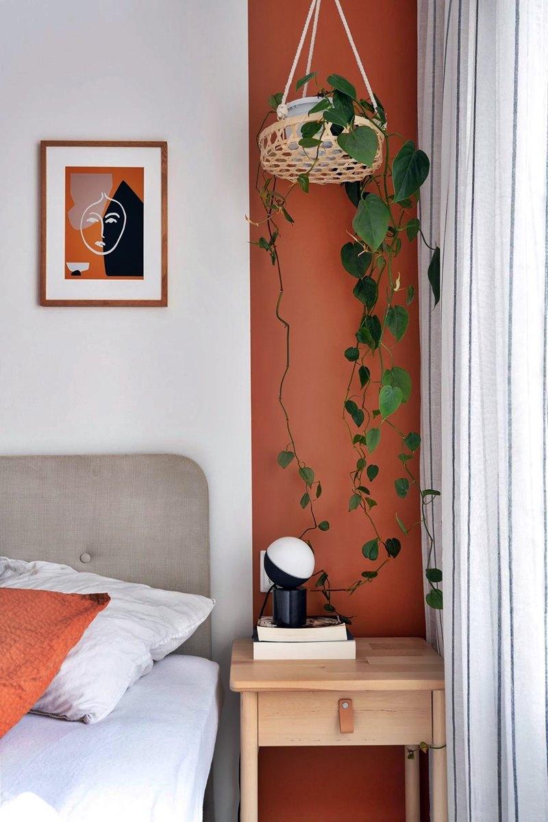 Detalhe quarto - planta e cores terrosas