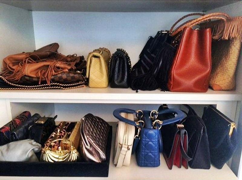 bolsas no guarda-roupa