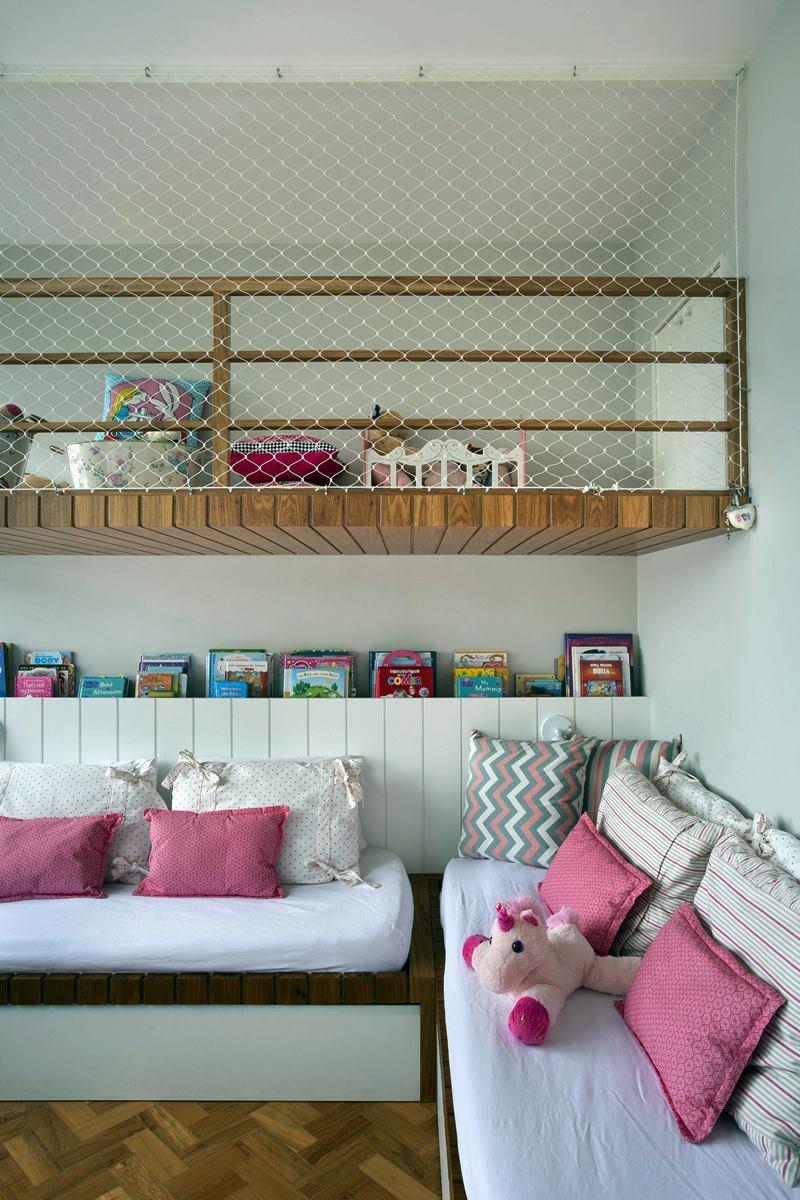 quarto para criança branco e rosa