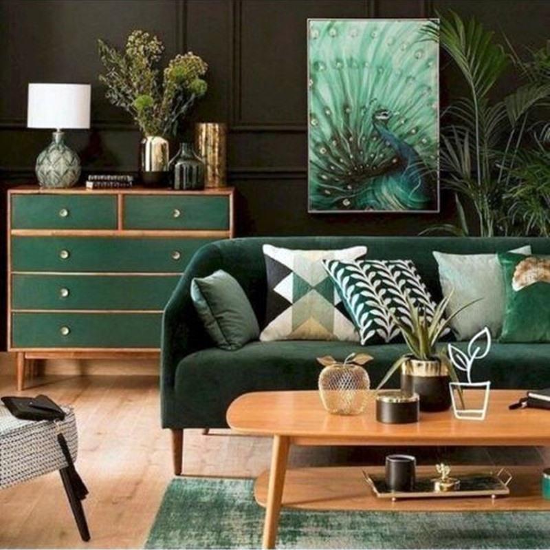 sala verde com madeira