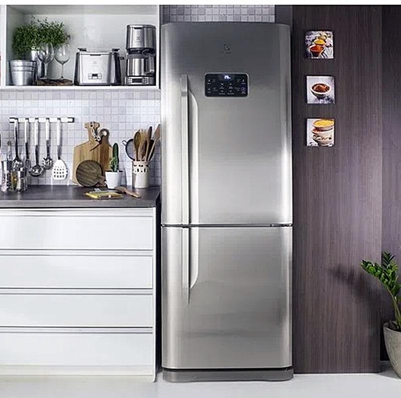 geladeira inverse na cozinha
